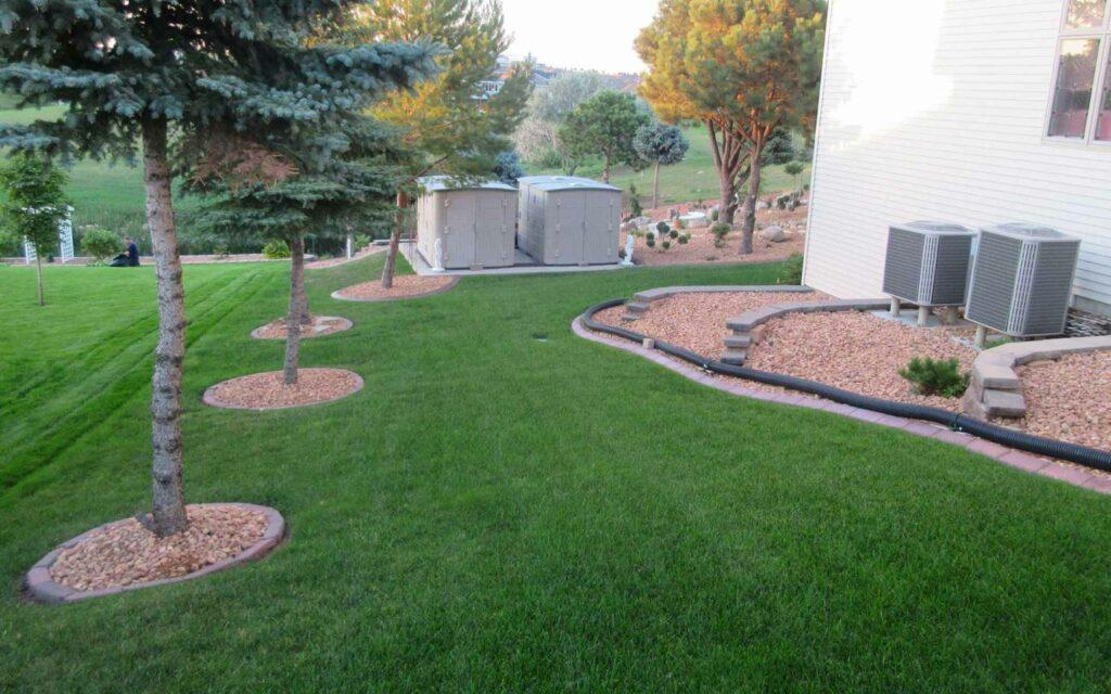 legacy-hero-landscaping-edging-big-yard-1.jpg