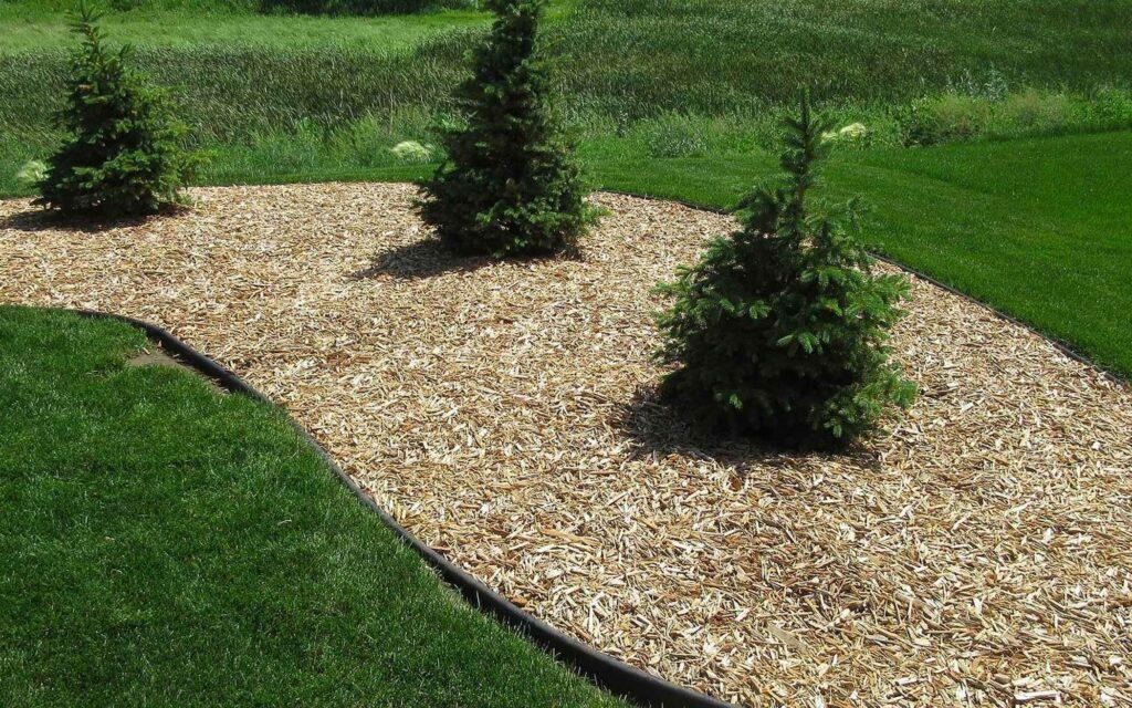 legacy-hero-landscaping-mulch-island-1.jpg