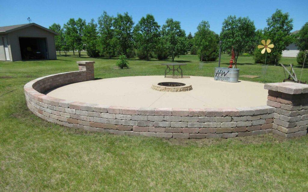 legacy-hero-landscaping-patio-walls-circle-1-1.jpg