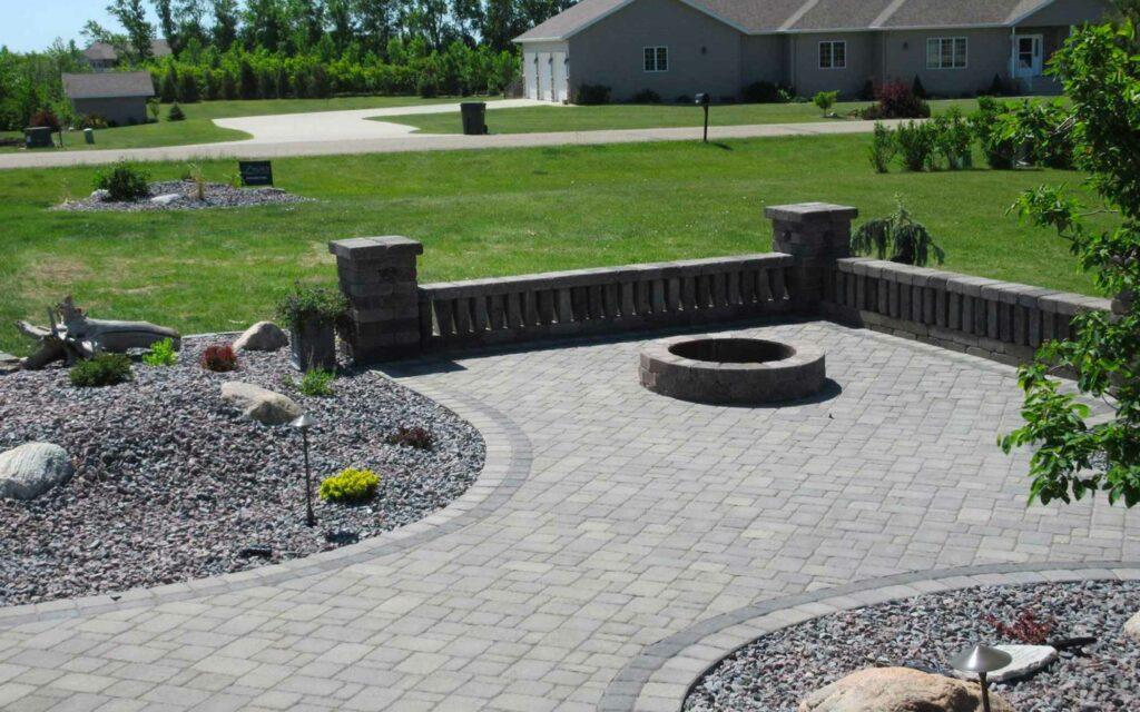 legacy-hero-landscaping-patio-walls-pit-1.jpg